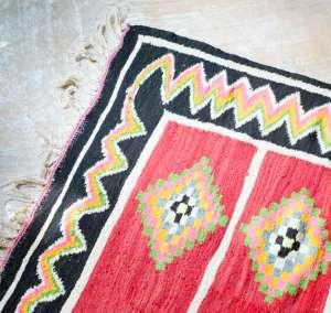 berberlin-kelim-teppich-rug-interior-mood-572x542