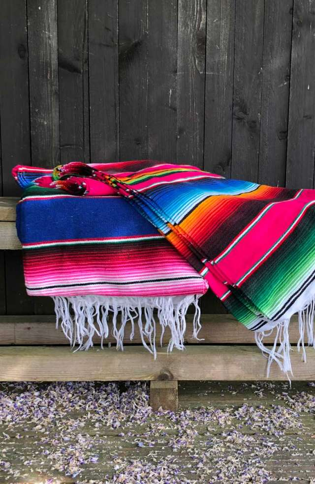 trooves-serape-decke-blanket-mood-780x1200