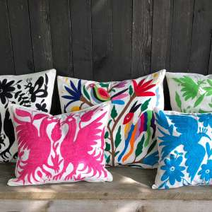 trooves-vivamexico-otomi-kissen-cushion-1-1900x1900